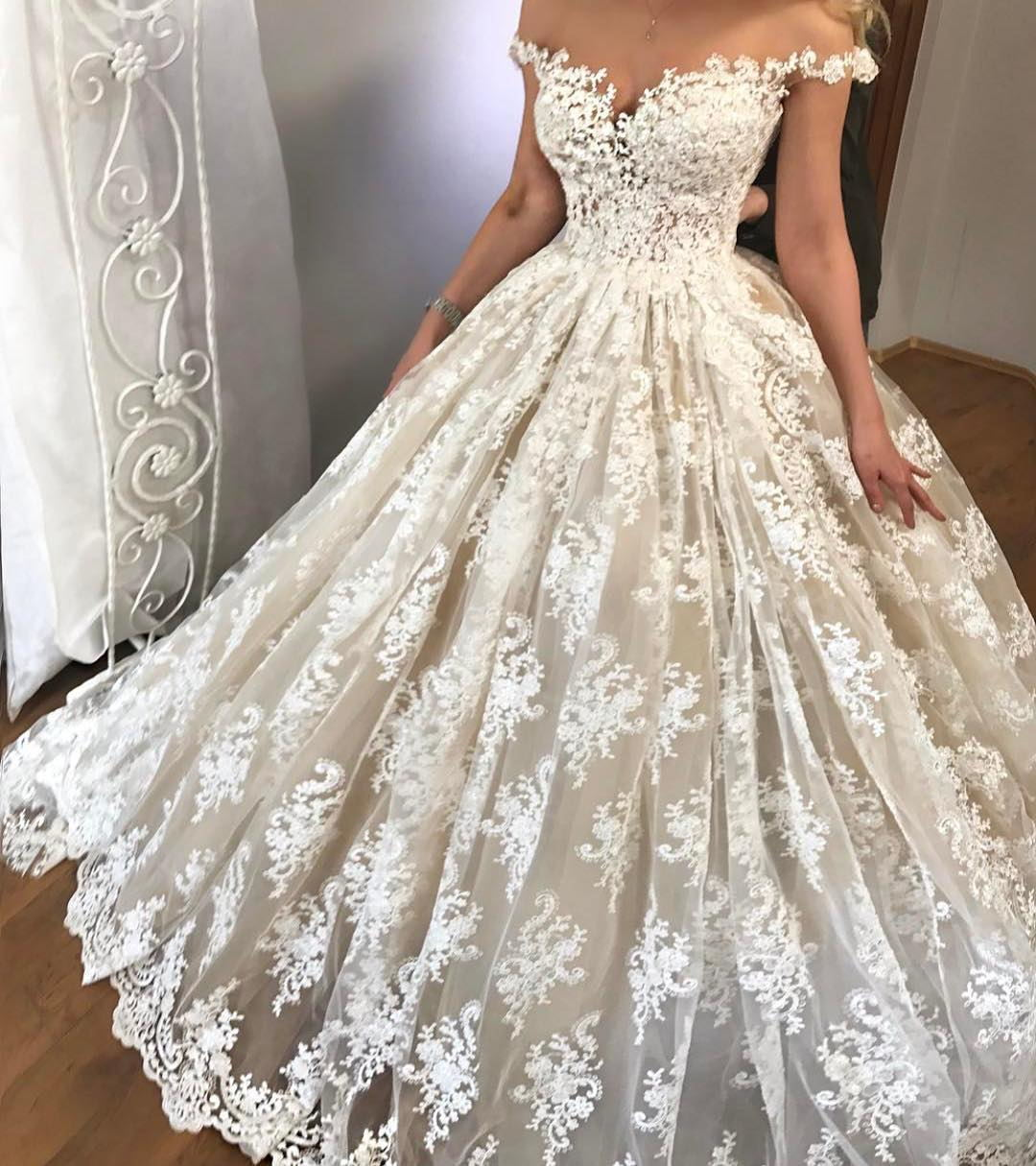 Sexy Wedding Dress , Off Shoulder Wedding Dress , Ball Gown Wedding Dress ,  Short Sleeves Bride Dresses , Back Lace Up Bridal Gowns ,Lace Wedding