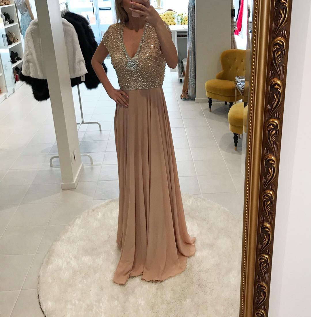 Champagne Chiffon Evening Dress with Cap Sleeves Sexy V neck Beading Rhinestone Women Evening Party Gown 2017 Prom Dresses Long Custom Made