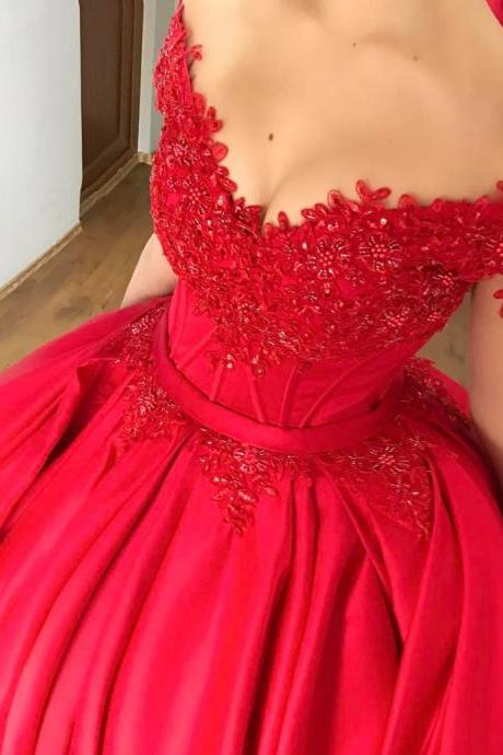 Charming Ball Gown Prom Dresses with Beads Lace Appliques Off Shoulder Short Sleeves Imported Party Gowns Lace Up Back Red Satin Prom Dress with Train