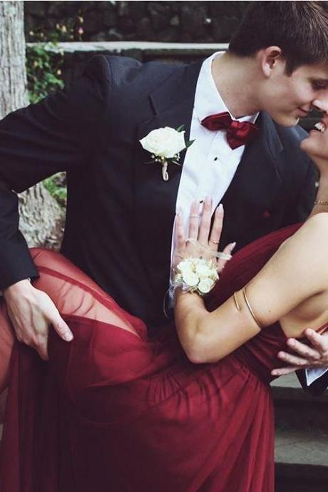 Sexy Burgundy Prom Dresses Soft Tulle A line Long Party Gowns Plunging Neckline Backless Special Occasion Dress with Side Slit vestidos de fiesta
