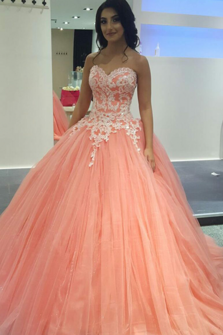 Vintage Coral Prom Dress Puffy Ball Gown Sparkly Appliqued Bodice Dropped Tulle Prom Dresses Girls Princess Evening Party Gowns Dress
