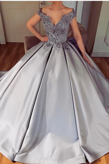 Arabic Dubai Ball Gown Evening Dress Lace Appliques V Neckline Silver Satin Prom Dresses 2018 Sexy Off the Shoulder Evening Party Gowns robe de soiree
