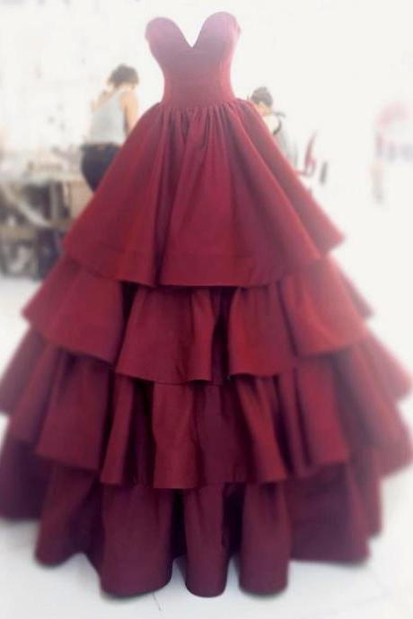 Concise Sweetheart Tired Skirt Ball Gown Prom Dress in Burgundy Satin