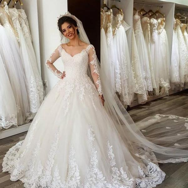 Arabic Long Sleeves Wedding Dress ,New Design Bridal Ball Gowns , V neck , Lace Up Back ,Romantic Puffy Wedding Dresses