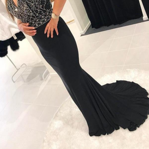 Stunning Mermaid Evening Dresses Long Hot V neck Elegant Women Formal Gowns Crystals Beads New Design Evening Dress for Special Occasion
