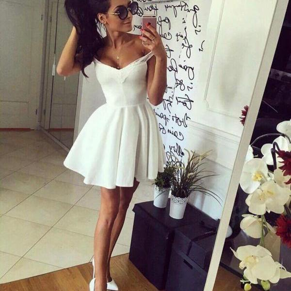 Off-The-Shoulder Short Satin Homecoming Dress,A line Mini Prom Gown