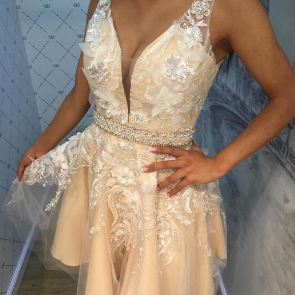 Sexy Sleeveless Deep V neck Short Homecoming Prom Dress with 3D Floral Lace Appliques